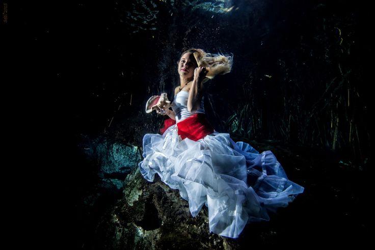 Underwater model Photography – Anna - Sebi Messina Photography