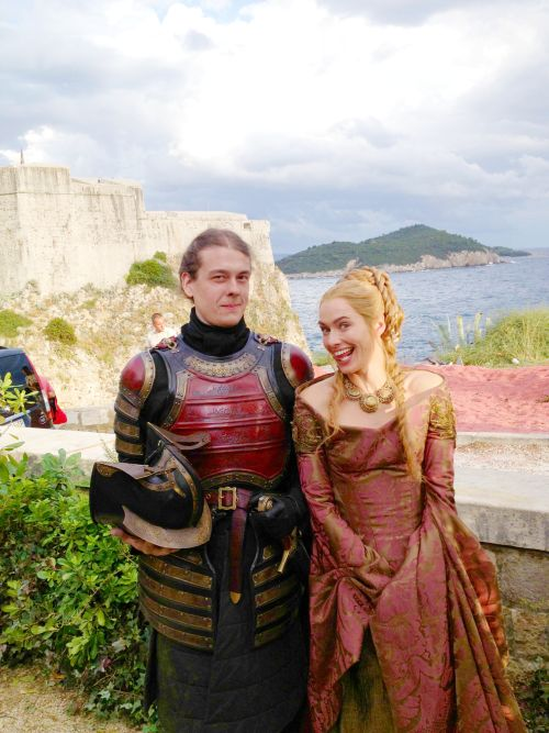 Behind the scenes&Bloopers - Page 2 F0a20ee16b92cbae2c5ecc2a1951b61d--game-of-thrones-behind-the-scenes-lena-headey