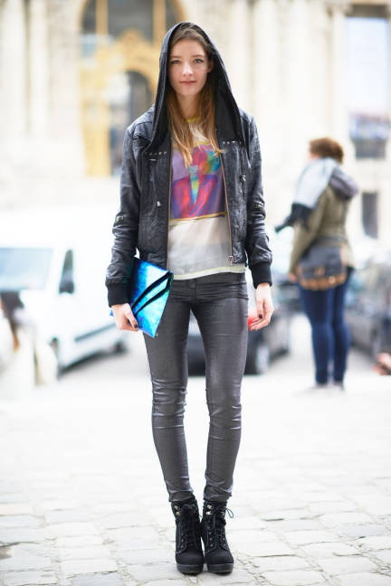 Break up leather-on-leather with a colorful graphic tee #streetstyle