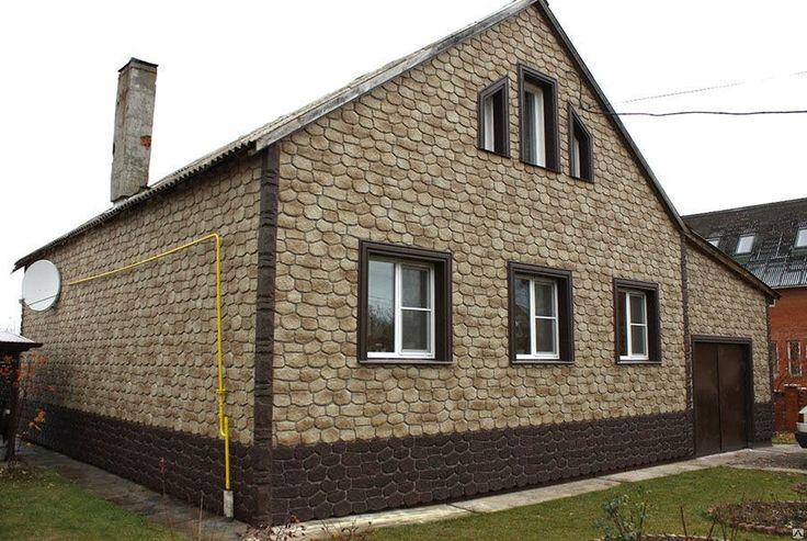 бревенчатый дом обшит цокольным сайдингом