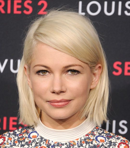 Michelle Williams with shimmery eyeliner