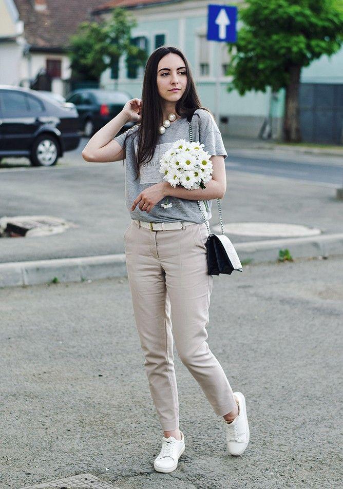 01.Oteea Land Zara Tee Zara Pants H&M Sneakers H&M Bag Front Row Shop Necklace