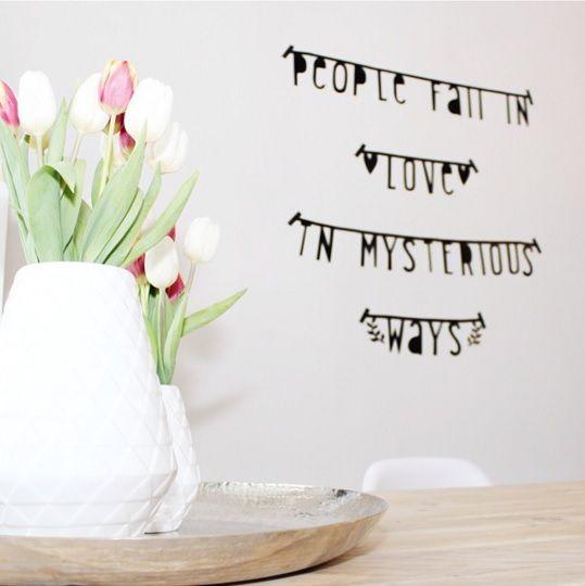 #Wordbanner #tip: People fall in love in mysterious ways - Buy it at www.vanmariel.nl - € 11,95