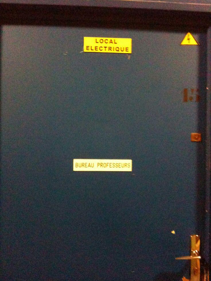 #lille3Insolite Le bureau..électrique..des professeurs de sport / salle de sport ESUM par Eva