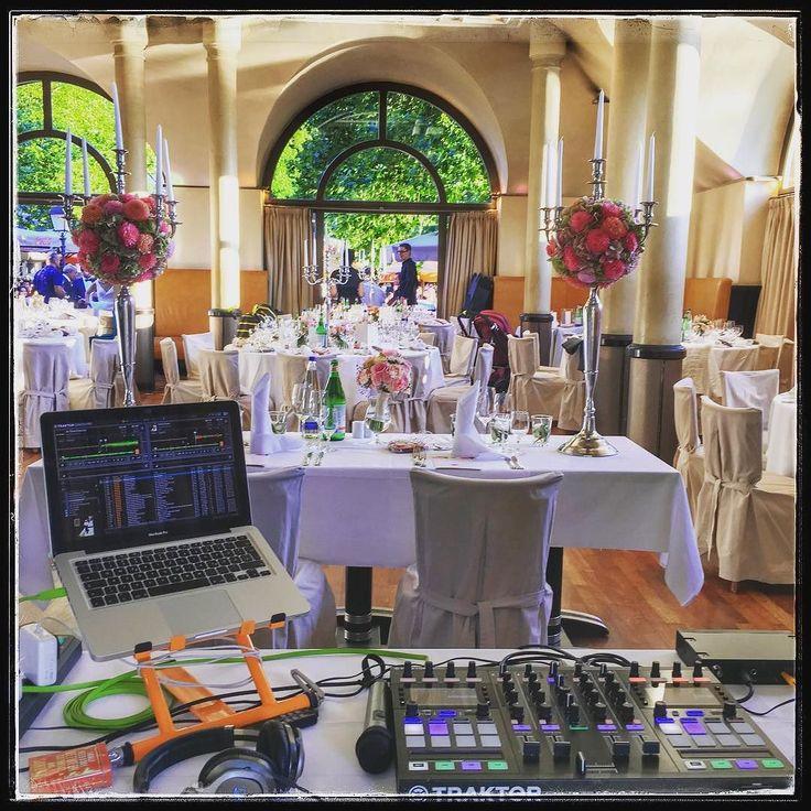 Sonntags Hochzeiten sind ja immer etwas anders darum sitzt der DJ heute mal hinter dem Brautpaar...  https://089DJ.com #089DJ #perkins #djmünchen #topdjmünchen #eventdj #djservice #münchen #wedding #hochzeit #munich #amazing #hochzeitsmusic #eventservice #partyforall #djbooking #djmix #mixtape #livemix #livemixing #deephouse #independent #picoftheday #like4like #follow4follow #instagood #musicmonday #followme #instadaily #instalike #followmetoo