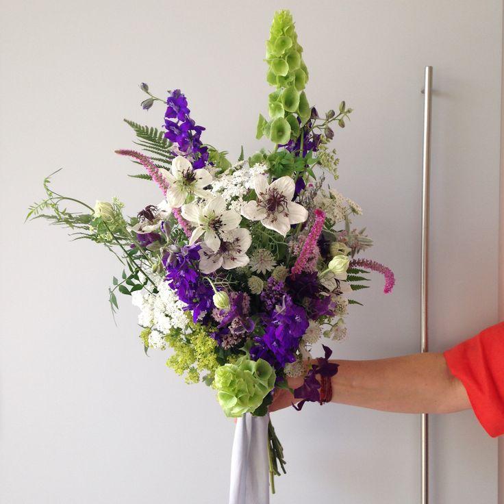 39 best Modern floristry images on Pinterest | Floral arrangements ...