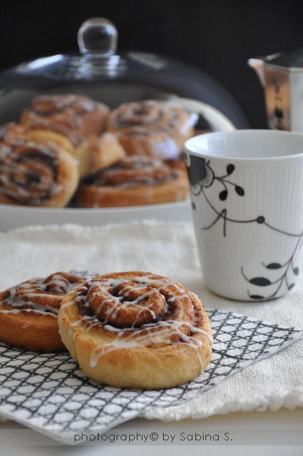"""Due bionde in cucina: Girelle alla cannella """"cinnamon rolls"""""""