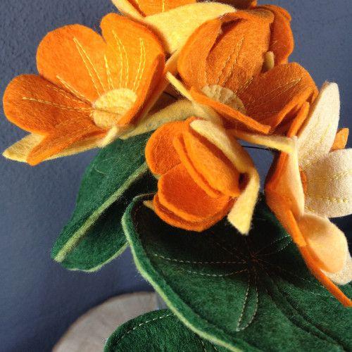 Waterval boeket van vilt; #feltflowers #bruiloft