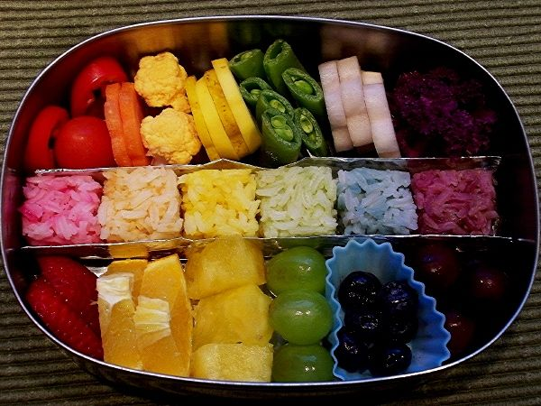 Except for the yellow all the rice is naturally dyed! :D: Idea, Color, Rainbows, Rainbow Food, Rainbow Bento, Lunchbox, Kid