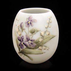 Ancien-Vase-Opaline-Fleurs-Emaillees-Violette-Muguet-St-Quay-Portieux-vers-1900