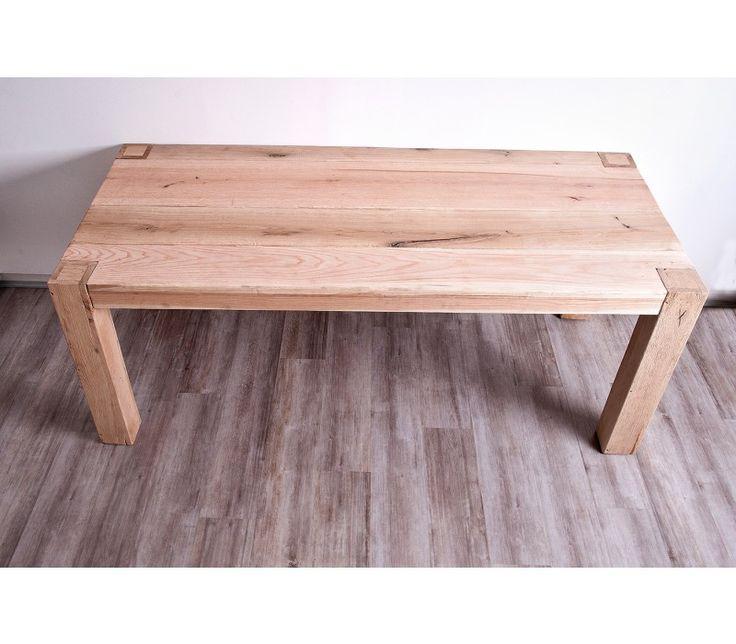 Oakwood asztal