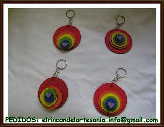 El Rincón de la Artesanía: Llaveros circulos arco iris
