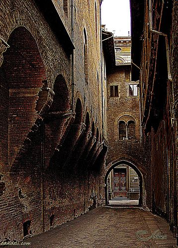 via dei Foscherari - Bologna    #TuscanyAgriturismoGiratola