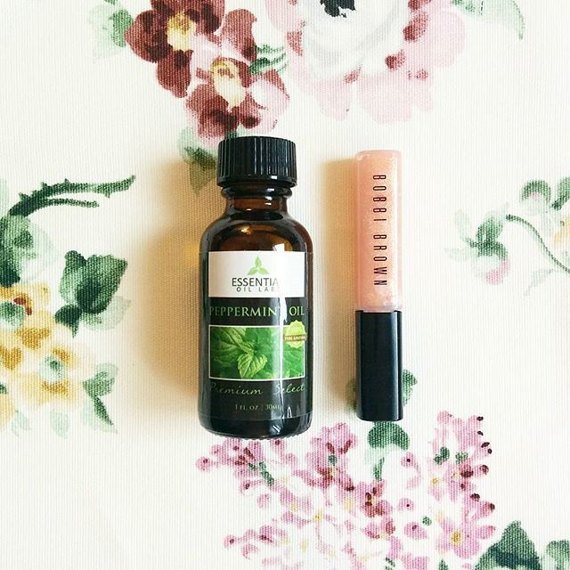 For a natural lip plumper, add 1 drop of peppermint oil to your favorite tube of lip gloss!  #essentialoillabs #essentialoils #peppermintoil #peppermint #lips #lipplumper #beautyhack #naturalbeauty #DIY #DIYbeauty  #beautyessentials #makeup #livesimply #oils #bobbibrown #lipgloss #EOLmoment