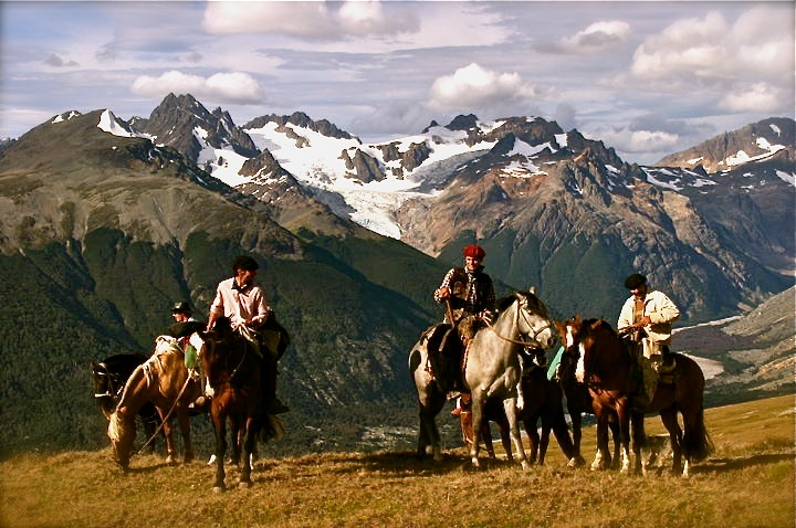 www.patagoniariders.cl - 4th day of a 7-day excursion through the Andes Mountains of Patagonia, Chile