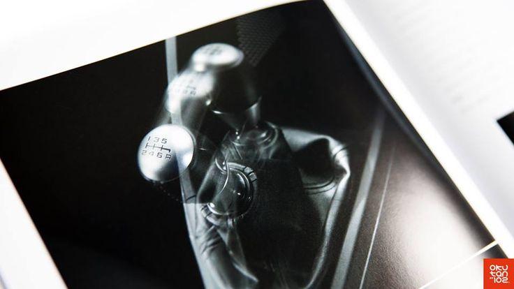 #Okutan102 #S2000 La brochure de la Honda S660 (vendue uniquement au Japon) montre un pommeau largement inspiré par la NSX-R et la S2000 (bague de cuir)… --- The brochure of the Honda S660 (only sold in Japan) showcases a shift knob inspired by the NSX-R and the S2000 (leather ring)…