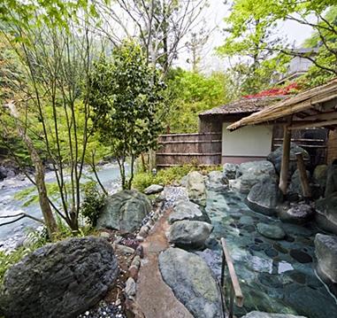 Nisiyama Onsen Keiunkan: The oldest hotel in the world - Hayakawa, Yamanashi Prefecture, Japan.: Nisiyama Onsen, Yamanashi Prefectur,  Terraces, Onsen Keiunkan, Oldest Hotels