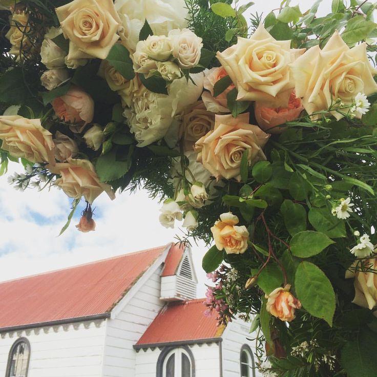 Estelle Flowers Weddings | Rose Arch | Karitane | Summer Wedding | Dunedin, NZ | www.estelleflowers.co.nz