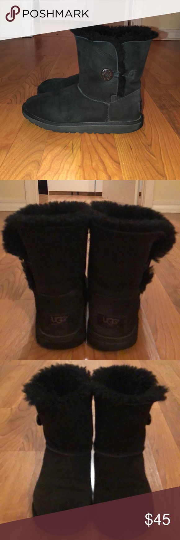 UGG BAILEY BUTTONS UGG BAILEY BUTTONS SIZE: 5  COLOR: BLACK ***these are used, but still have tons of life left. Still very fluffy and comfortable. They do need new insoles, but can be worn without them. Normal wear and tear, but nothing major wrong with them at all*** I ALWAYS ACCEPT REASONABLE OFFERS❤️ UGG Shoes Winter & Rain Boots