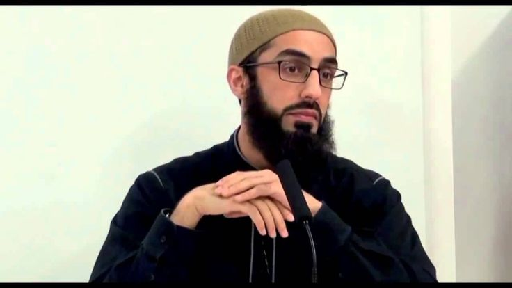 Islamic cleric tells young British Muslims it is ?ACCEPTABLE? to keep sex slaves