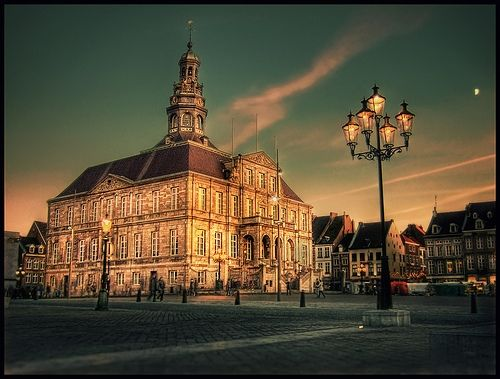 Maastricht markt... seriously, I am really craving to go back there <3