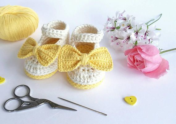 Yellow Baby Girl Shoes - Crochet Bow Shoes - Newborn Girl Booties - Christening Girl Shoes - Yellow Baptism Outfit - Baby Girl Shower Gift