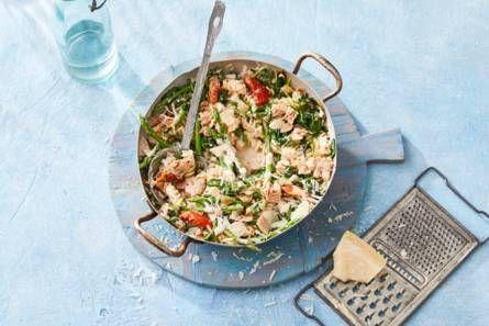 pasta met tonijn, spinazie en asperges