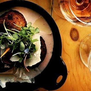 #food#kreativ#grafikdesign#grafiktasarım#fotograf#fotografia#foodgasm#interior#sanat#art#yemek#lunch#dinner#bio#organic#vegan#wein#su#vegaterian#enjoy#life#live#love#like#green http://turkrazzi.com/ipost/1520567550944779039/?code=BUaJCGbDJsf