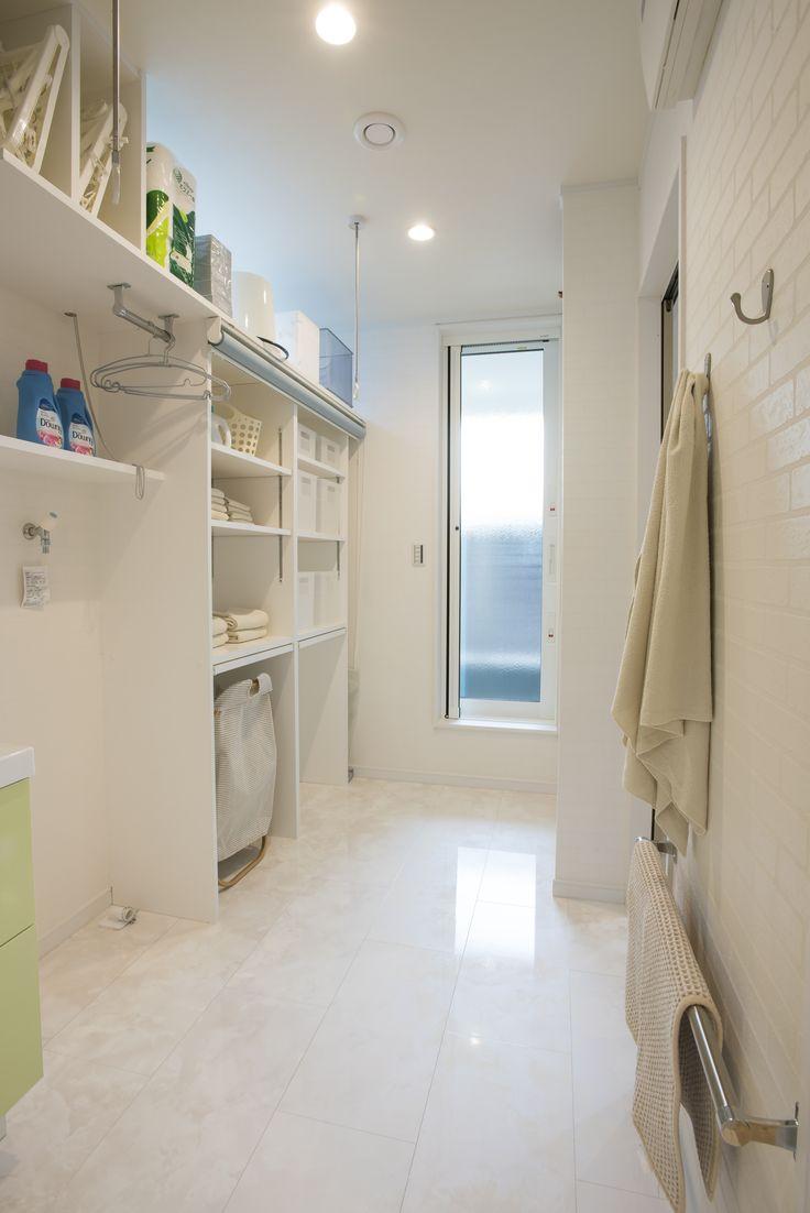 5つの機能を備えた洗面脱衣室  #洗面室 #ユーティリティ #パントリー #室内干し #収納