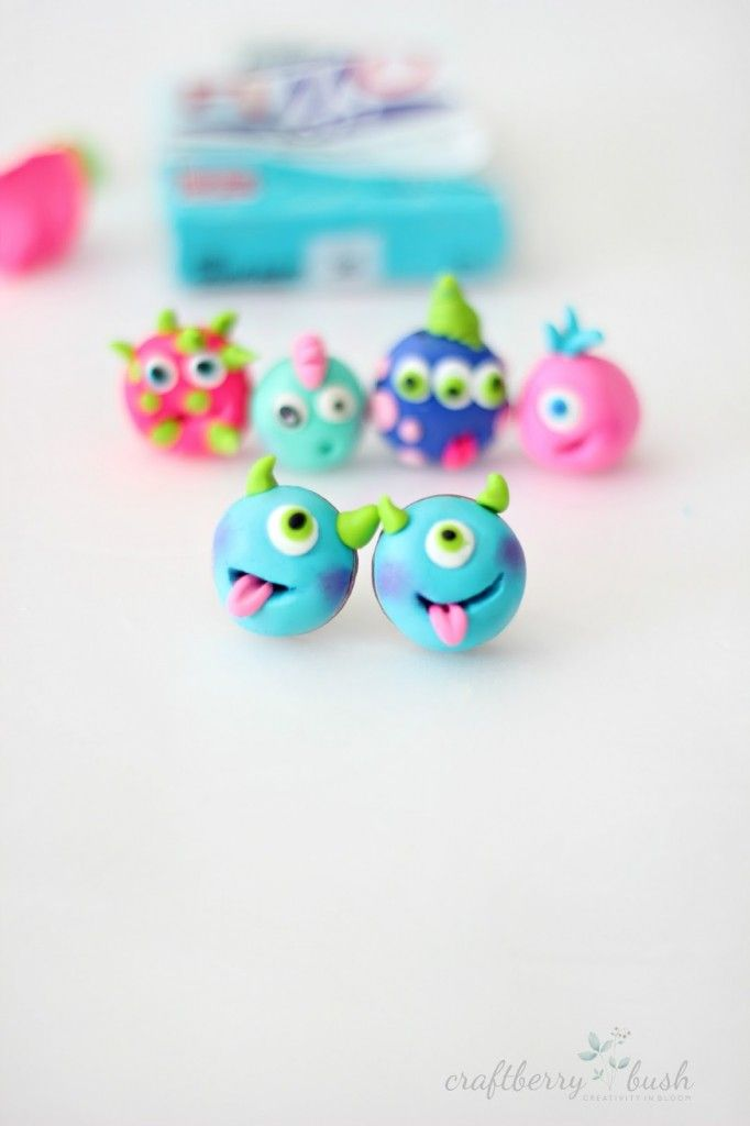 Hello, I'm Lucy fromCraftberry Bushand I'm thrilled to joinEighteen25 fansaswe celebrateSpooktacular September. I've never been a spooky Halloween type of gal, so today, I wanted to share these cute, friendly monsters earrings (which you can make into charms, rings or even magnets). What you'll will need: Various colors of polymer clay Toothpick Sharp blade Ring …