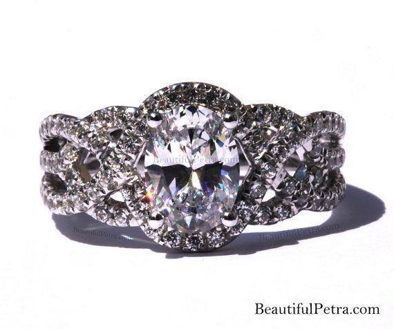 TWIST OF FATE  14k  Oval Diamond Engagement Ring door BeautifulPetra