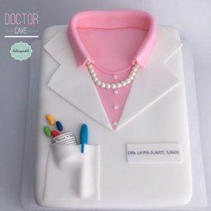 Torta de Doctora en Medellín por Dulcepastel.com ⚕️ #doctor #doctorcake #medical #medicine #doctora #medico #tortadoctora #medicina #tortasmedellin #tortaspersonalizadas #tortastematicas #cupcakesmedellin #tortasartisticas #tortasporencargo #tortasenvigado #reposteriamedellin #reposteriaartistica