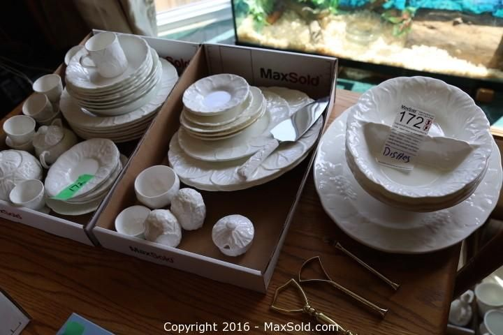 Wedgwood and Coalport Countryware Pattern Dishes Sold on MaxSold for $811
