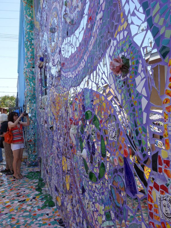 The Mosaic Tile House of Venice Beach/  Atlas Obscura.  Click on pin to view the rest of this amazing house/outside