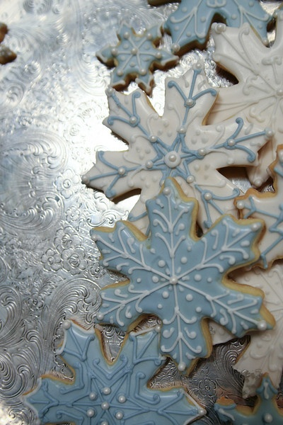 Silver & icy blue snowflake cookies