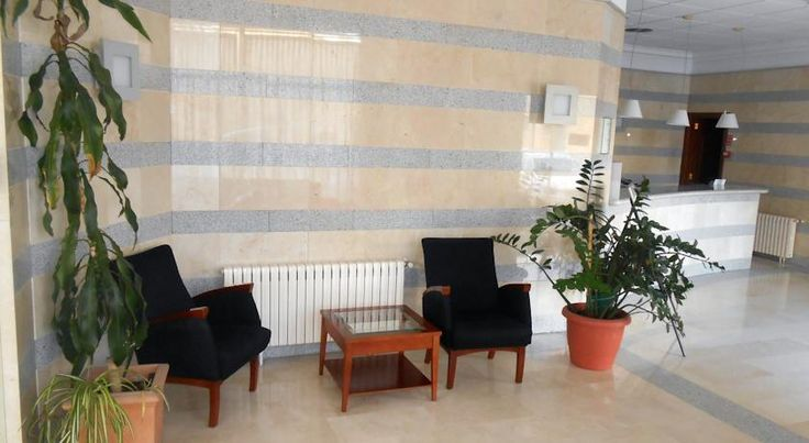 Hotel San Miguel Ollería Hotel San Miguel is located in L'Olleria, a Valencian town famous for its glass and ceramics. This family-run hotel offers simple, spacious rooms with air conditioning and satellite TV.