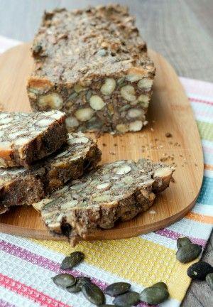 Rezept für Low Carb Brot mit Nüssen und Saaten