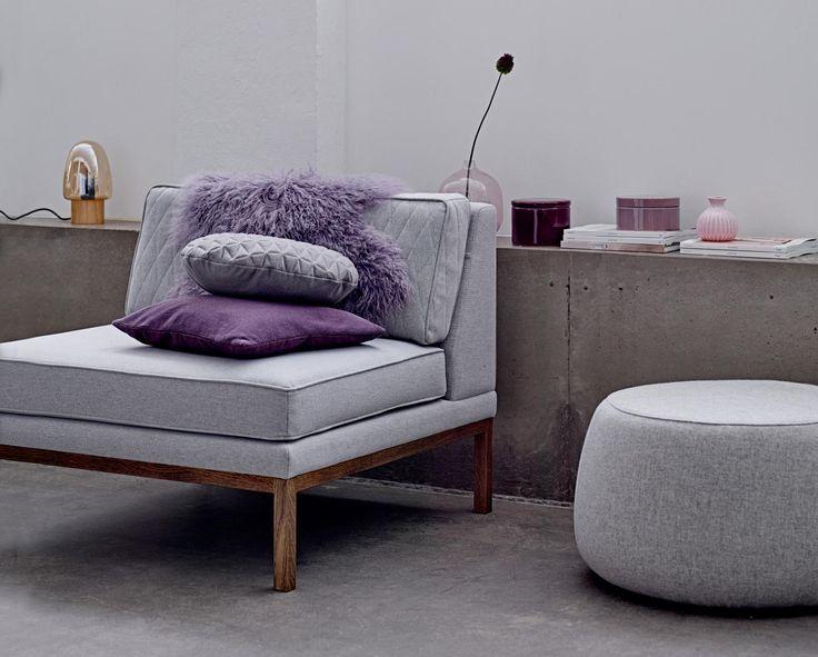 #nachtlamp #slaapkamer #fauteuil in de #slaapkamer #paars #design #nachtlamp