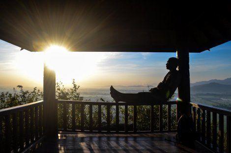 Matahari Terbit di Bukit Nganjir, Sumberwatu Sambirejo, Prambanan