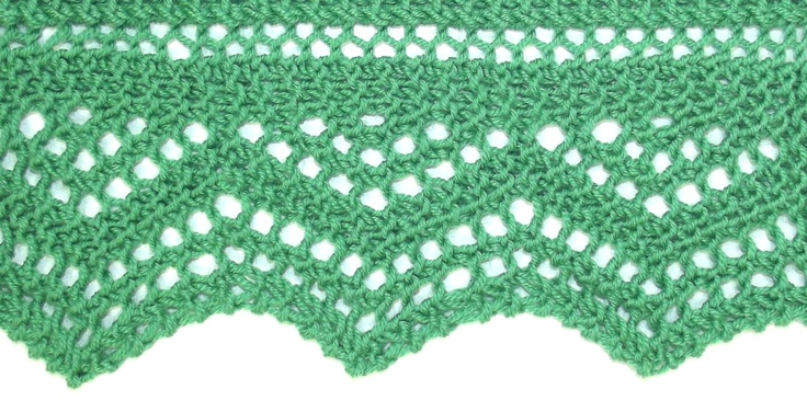 Lace Triangle Edging uses garter stitch, so it is reversible.  Perfect for scarves and shawls.  You'll find it in both the Edging Stitches and Reversible Stitches categories.