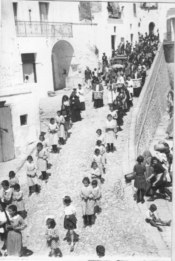 Pisticci Italy (MT) - processione religiosa