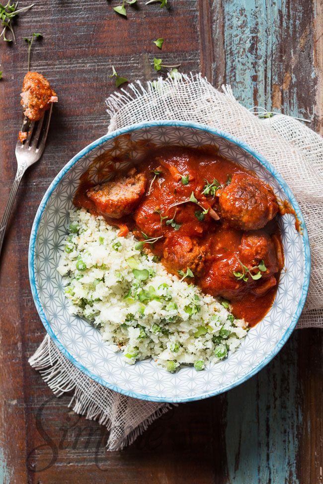 Deze overheerlijke pittige gehaktballetjes doen het goed bij rijst of bij bloemkool couscous zoals in dit recept.