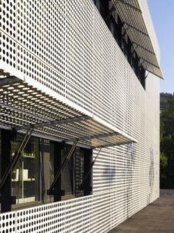 Kinetic building skin - Untersiggenthal, Switzerland