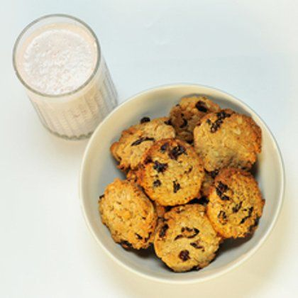 Печенье «Фитнес» и овсяный смузи с клюквой