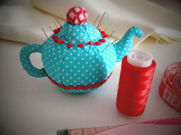 Teapot pincushion pattern and tutorial