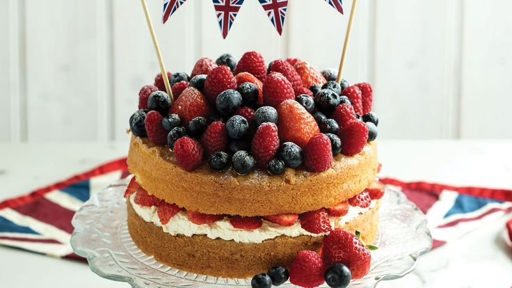 This naked Victoria sandwich cake recipe is perfect for an afternoon tea treat or a coffee morning with friends. It also has the added benefit of being made with Half Spoon, meaning it is only 325 calories a slice too.
