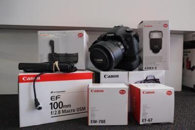 Canon EOS 7D kit.