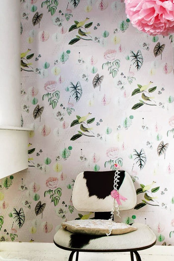 Poppytalk: Sunday Reading | More Fabulous Wallpaper