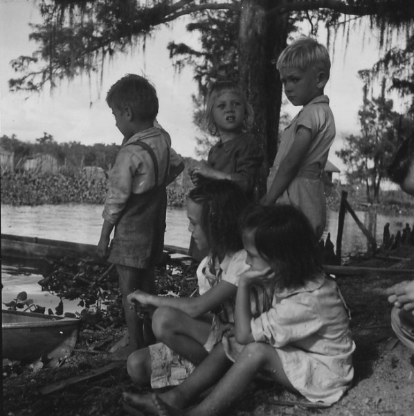 October 1946. Acadian children along Bayou Pierre Part, Louisiana. Photographer: Arnold Eagle.