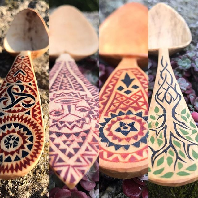 i have updated my website and there are some new decorated spoons available #cuilleresdapparat #decoratedspoons #waxinlay #incrustationdecire